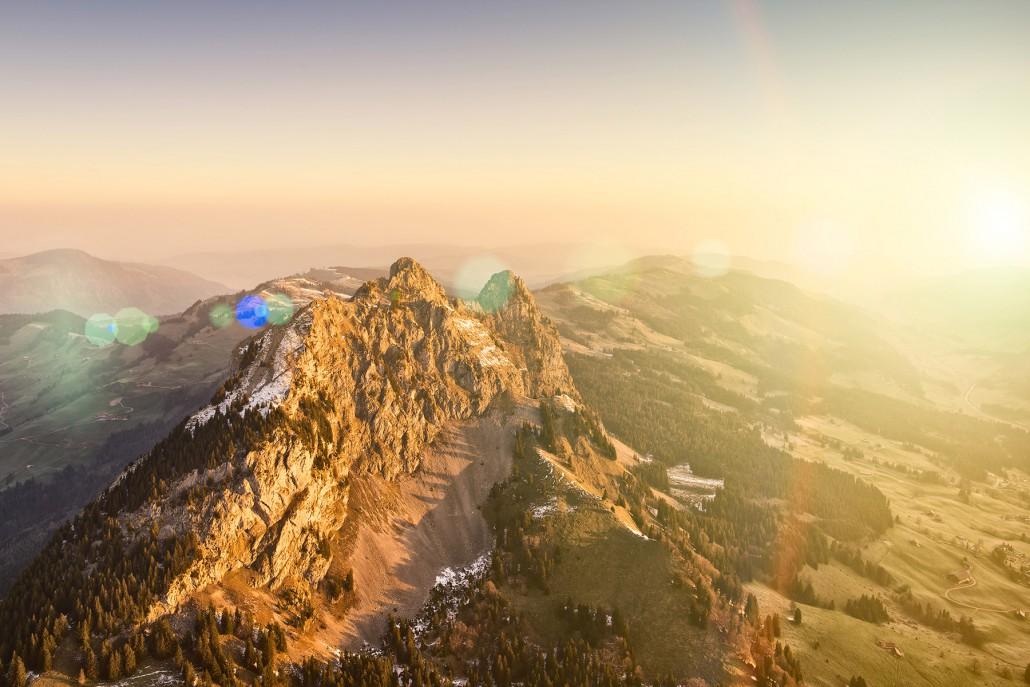 Schwyz kleiner Mythen Sonnenaufgang Brunni Alpthal fotografiert by Air-Shots.ch