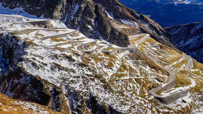 Gotthard - Tremola - alte Passstrasse - Wintereinbruch
