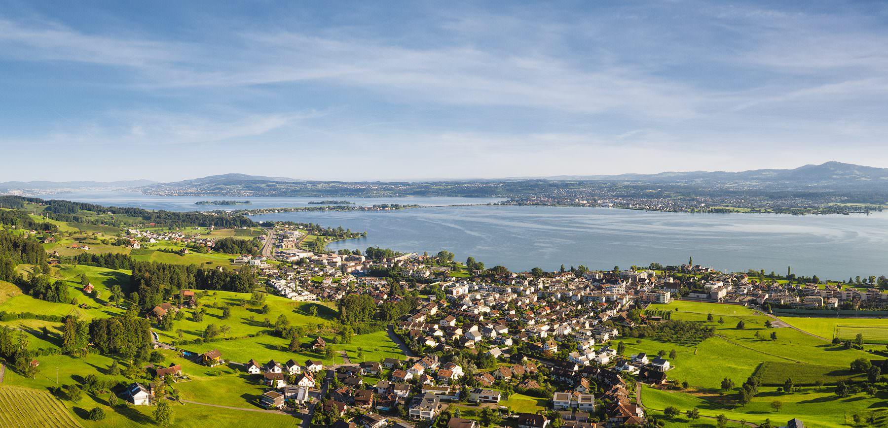 Luftaufnahme, Altendorf, Obersee mit Damm und Zürichsee © Gerry Pacher Photography