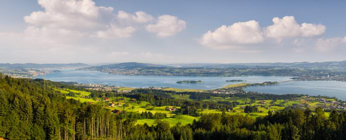 Luftaufnahme mit Drohne: Zürichsee, Damm, Obersee, Altendorf, Pfäffikon, Freienbach, Wollerau
