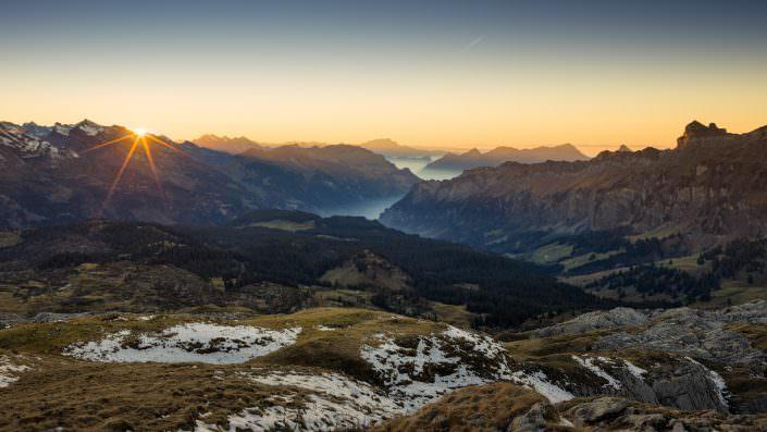 Air-Shots.ch / Muotathal - Sunset - Silberen Richtung Pilatus und Rigi