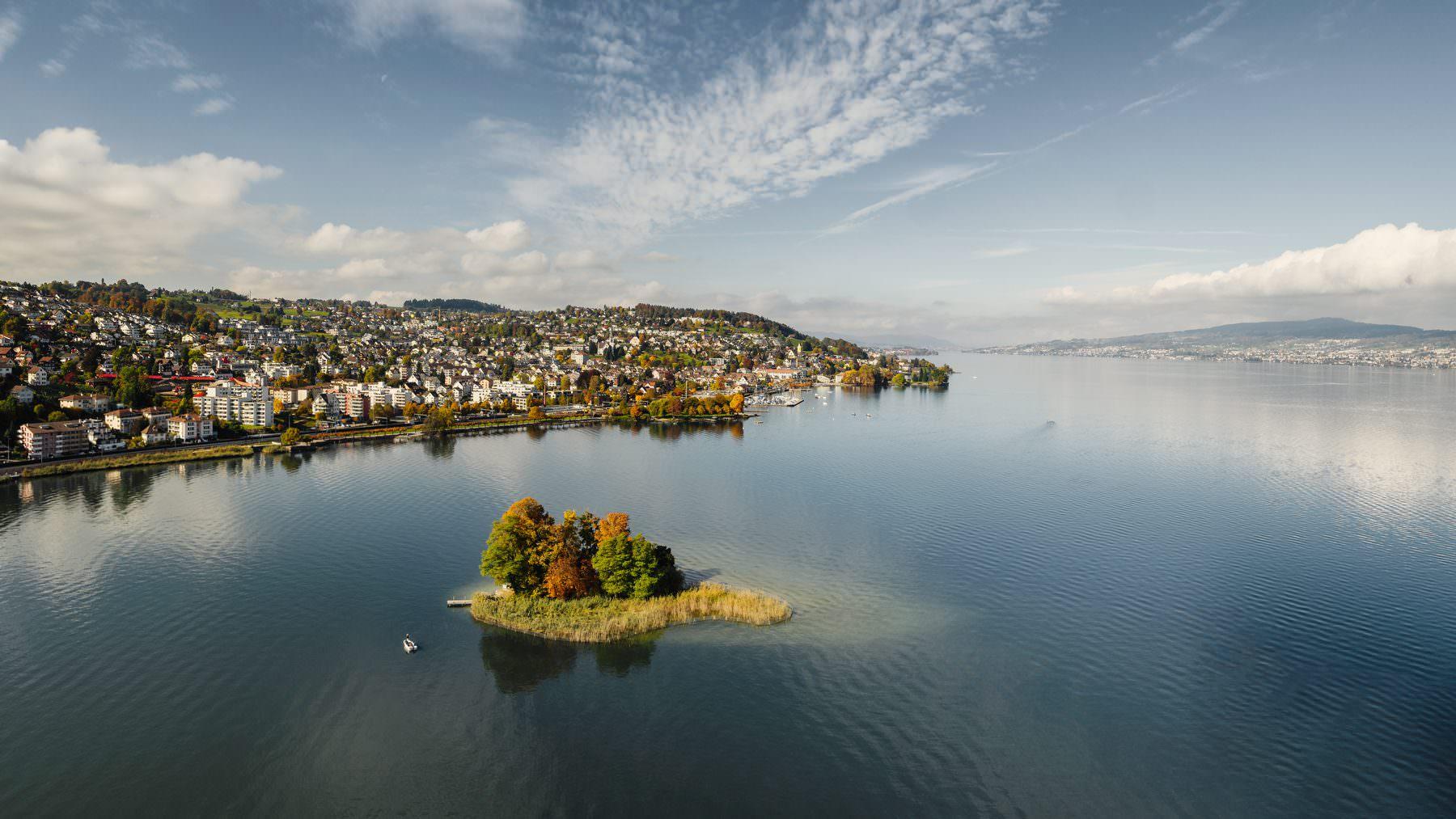 Luftaufnahme Zürich, Richterswil, Insel Schönenwirt, Seebad, Hafen, Bahnhof, Horn © by Gerry Pacher