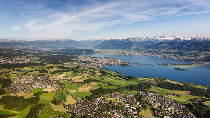 Helikopter Luftaufnahmen Hombrechtikon Rapperswil Linthebene Zürichsee Obersee Lachen © Gerry Pacher