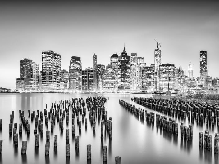 USA; NYC, downtown, night Skyline, seen from Brooklyn Bridge Park © by Gerry Pacher