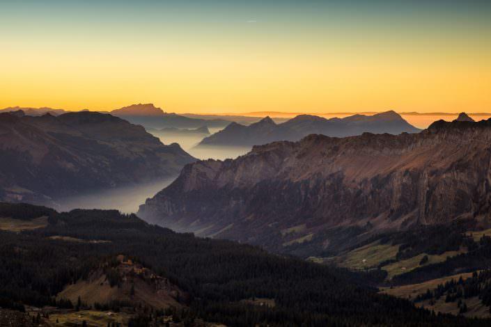 Luftaufnahme, Drohne, Air-Shots / Sonnenuntergang / Pilatus / Rigi / Muotathal