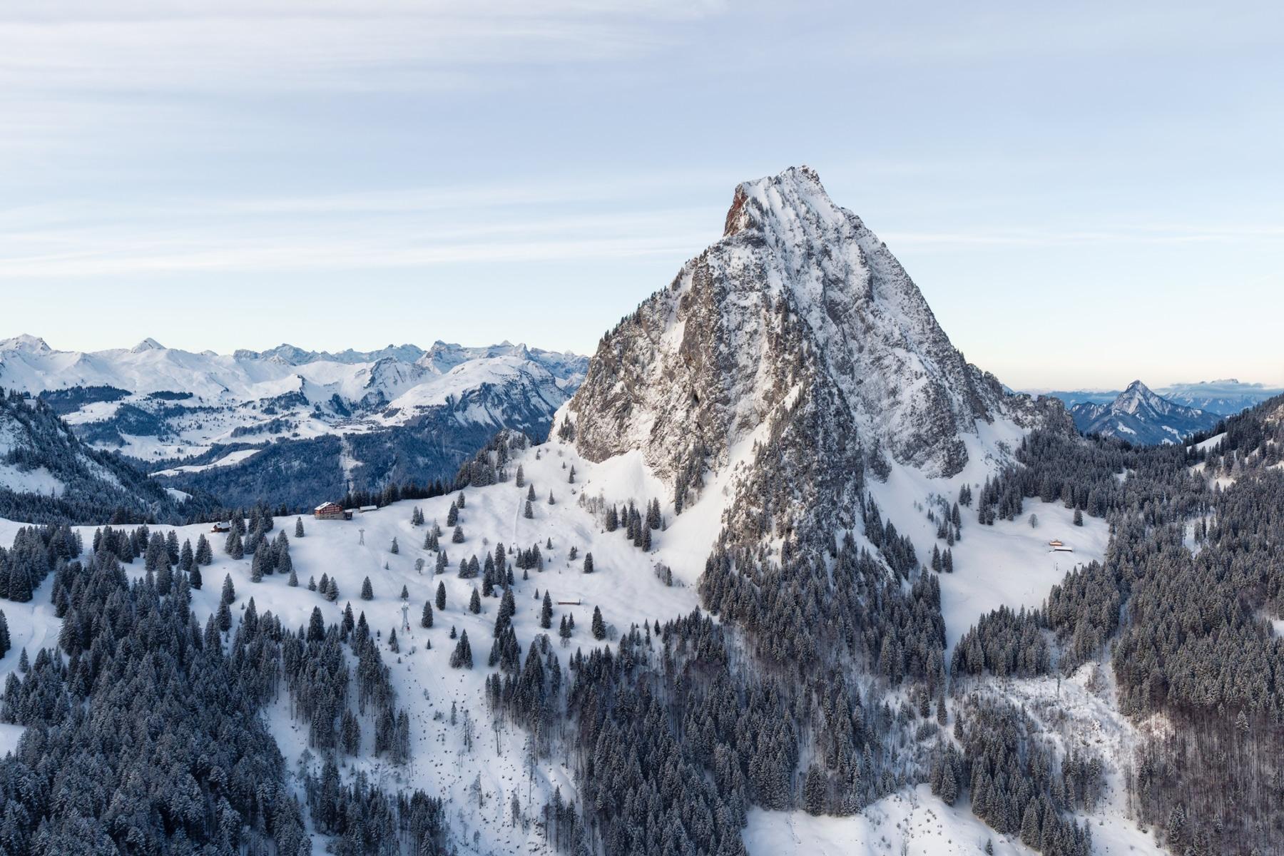 Switzerland, Schwyz, Grosser Mythen im Morgenlicht