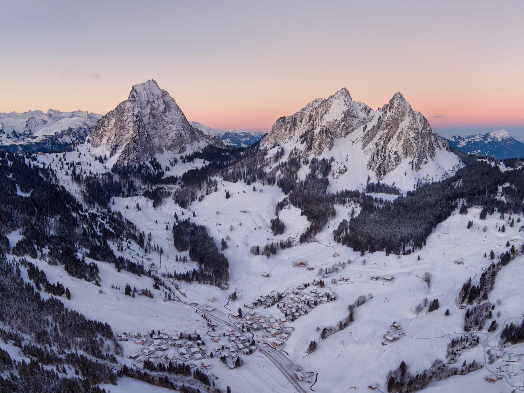 Switzerland, Schwyz, Alpthal, Grosser Mythen, kleine Mythen, just before Sunrise