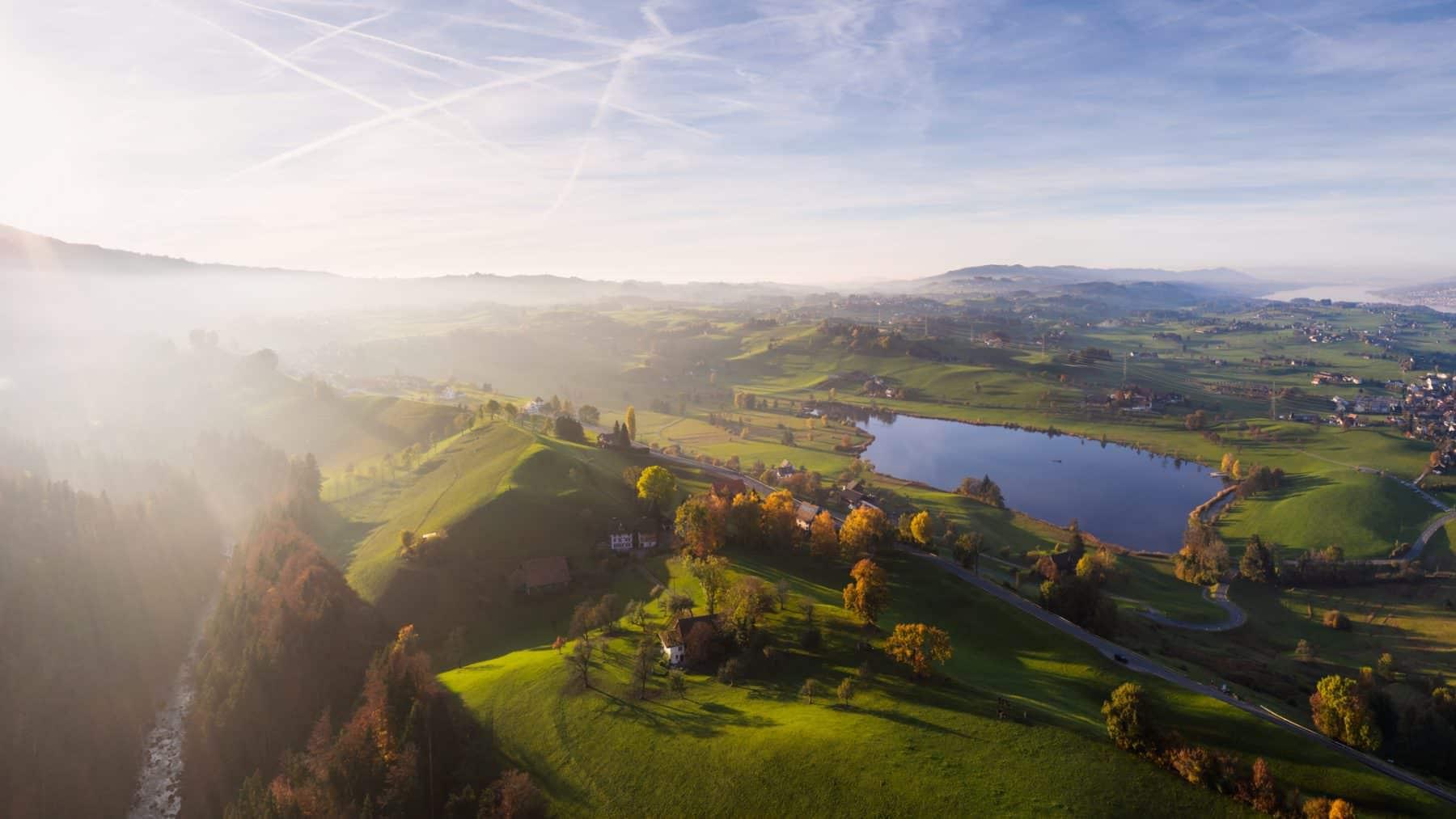 Luftaufnahme Herbststimmung Hütten Sihl und Hüttnersee