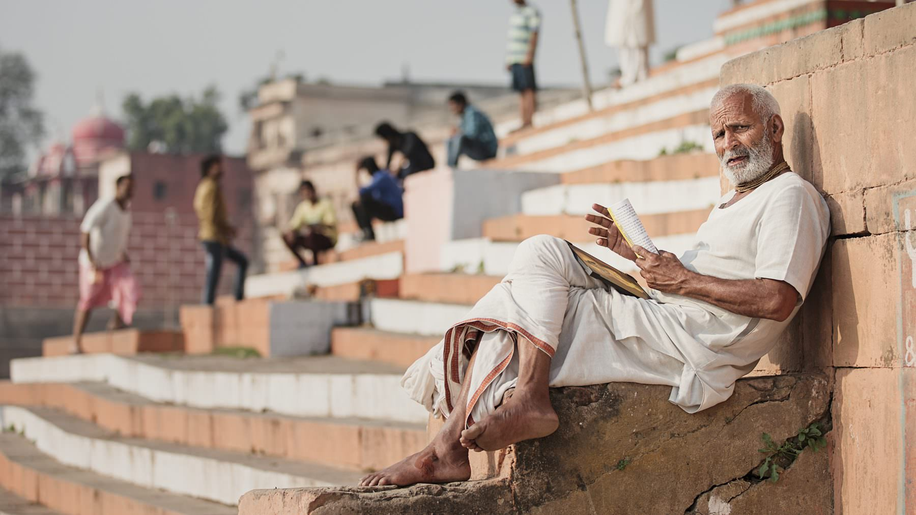 India, Varanasi, Ganga, Brahmin is preparing his speech