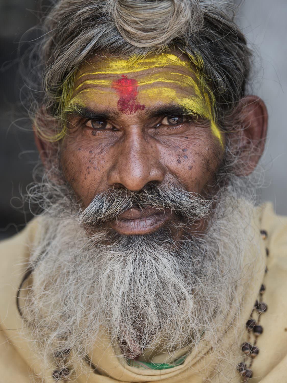 India, Varanasi, Ganga, Sadhu in the shade