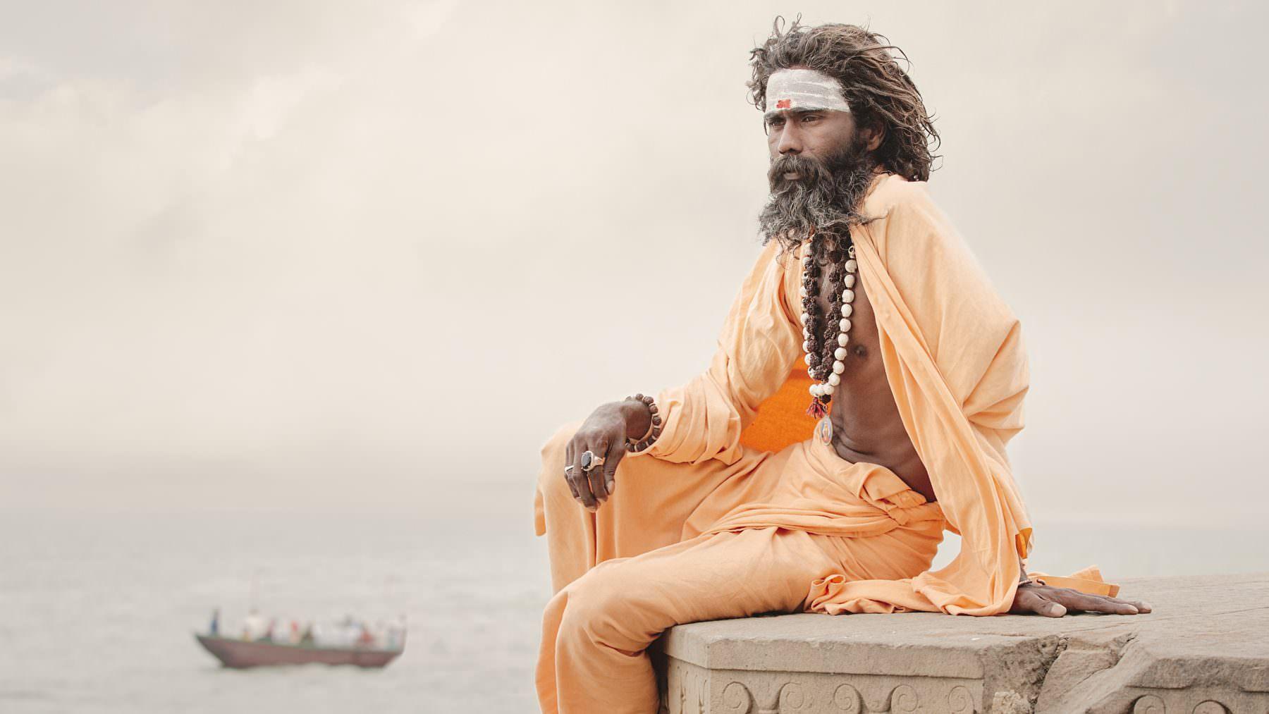 India, Varanasi, holy men, Gumara Guru at the Ganga