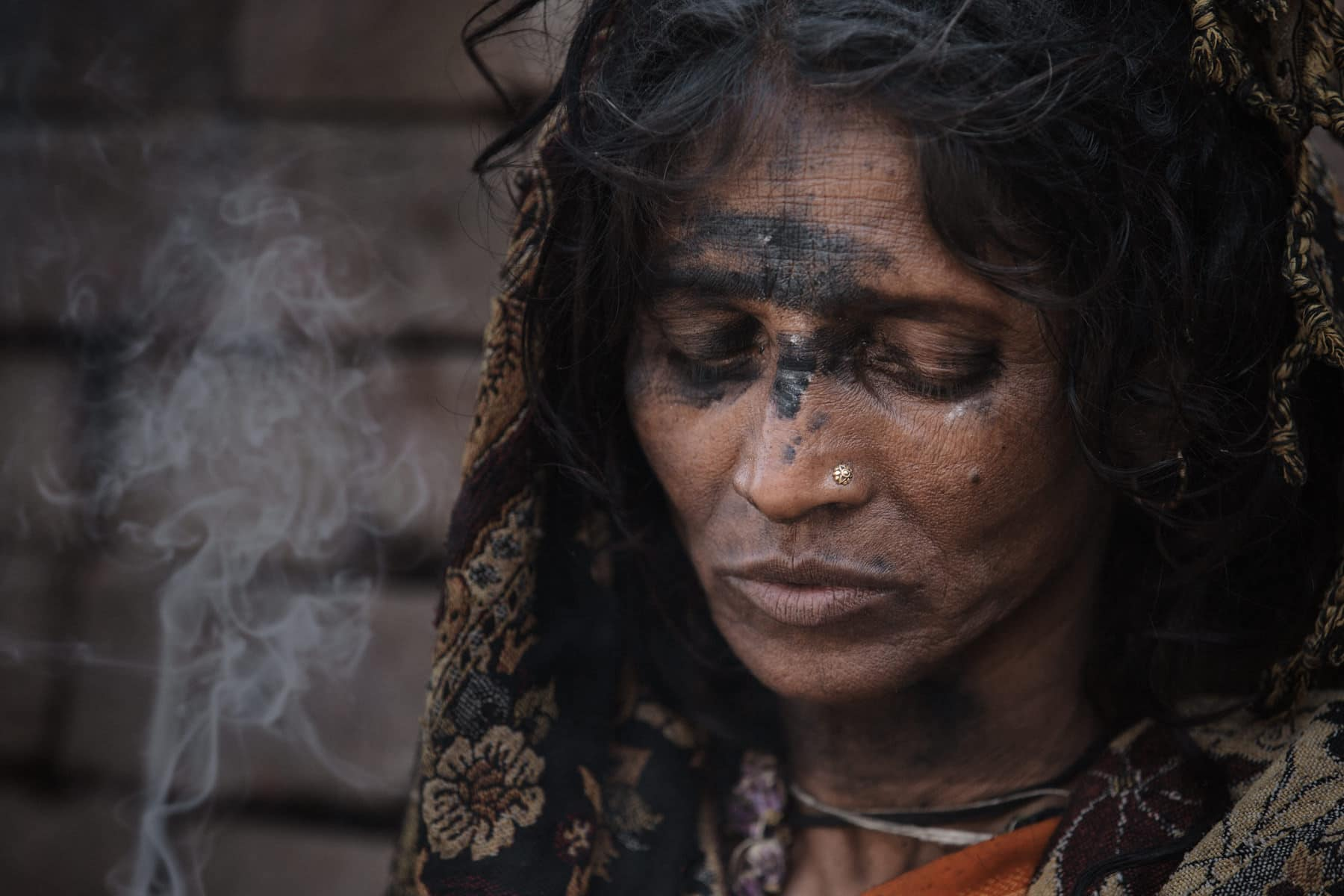 India, Varanasi, Street Photography, Mystical Woman
