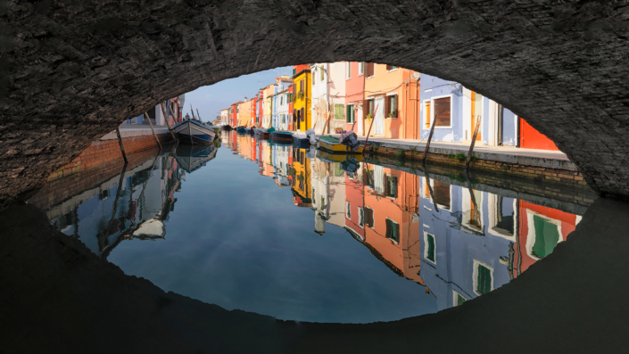 under the bridge - Italy, Venice, Burano © by Gerry Pacher