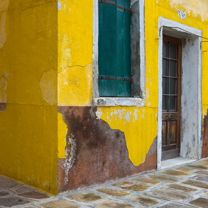 Yellow House No 595 - Italy, Venice, Burano © by Gerry Pacher