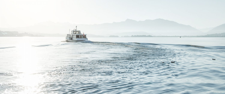 Sonnenaufgang, Zürichsee, Schiff, High-Key © by Gerry Pacher Photography