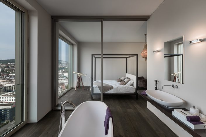 Interiorfotografie / Master Bedroom / Penthouse / Mobimo Tower / Zürich