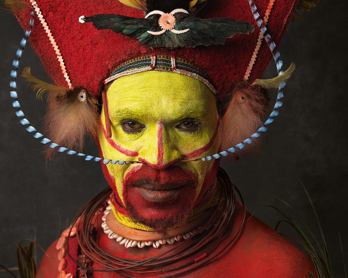 Faces of Papua New Guinea - Fine Art Portrait Serie - Red Tari - close up