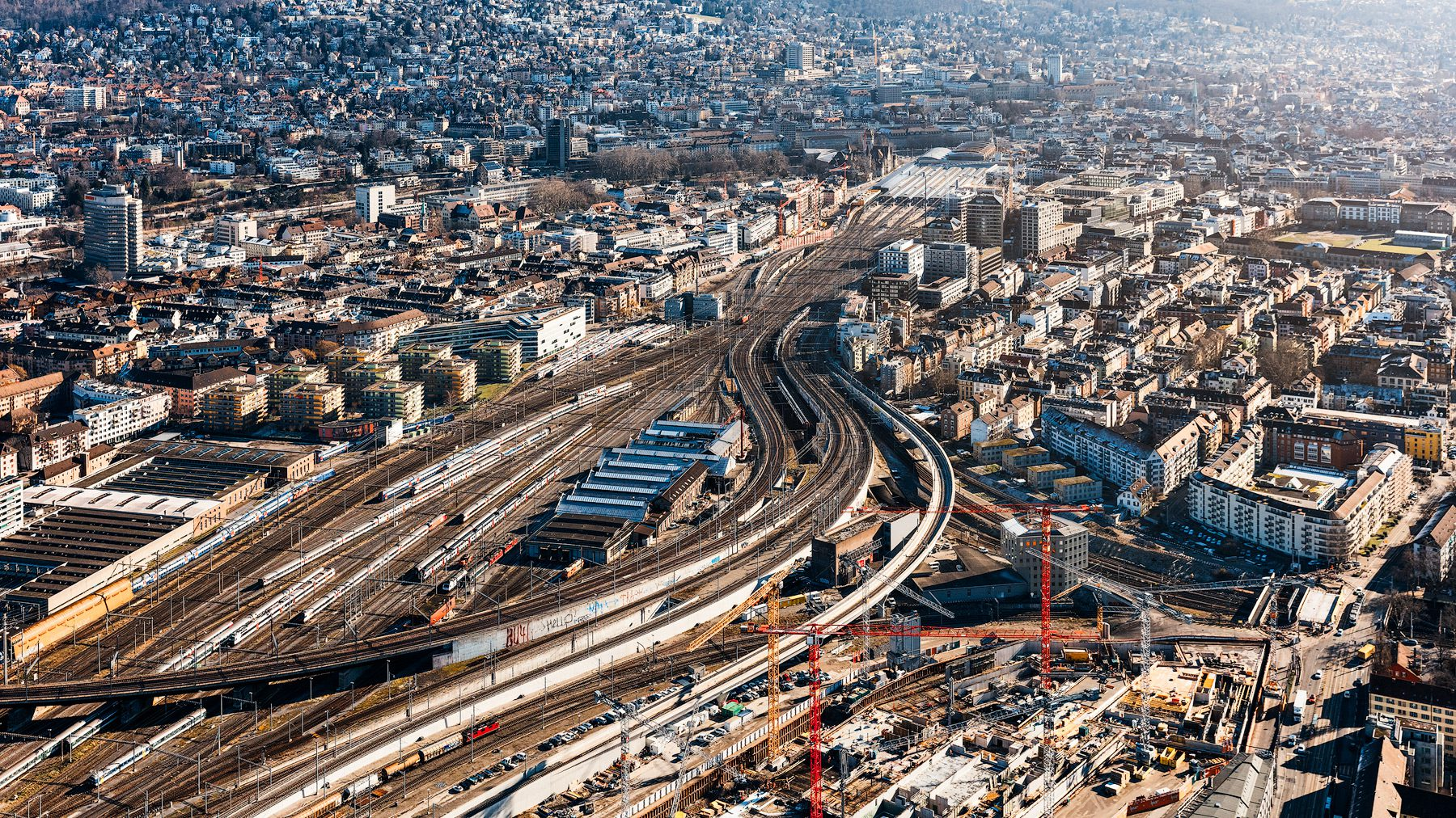 Luftaufnahme - Zürich- Bahnhof - Geleise - Letzigraben- und die Kohlendreieckbrücke