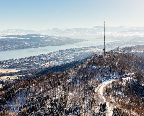 Luftaufnahme Uetliberg - Zürichsee, Glarneralpen und Säntis