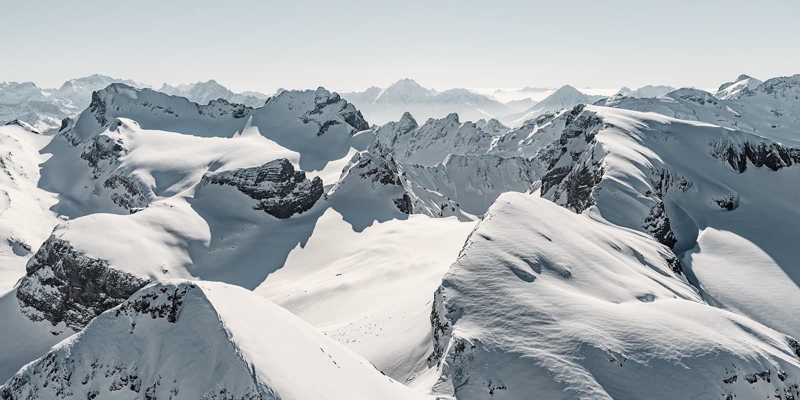 Luftaufnahme - Hoch über den Urner Alpen mit Blich auf den Engelberger Rotstock, Wissigstock, Uri Rotstock, Brunnistock, Bristen,