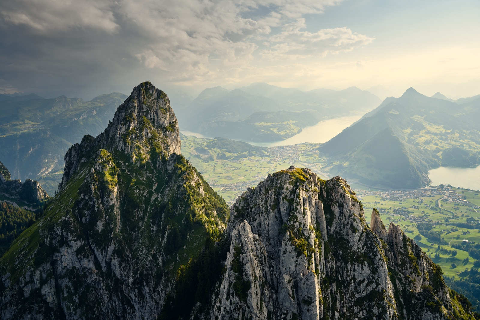 Luftaufnahme Haggenspitz, Kleiner Mythen, Blick nach Brunnen, Vierwaldstättersee, Lauerzersee, Stoss, Fronalpstock, Rigi Hochflue