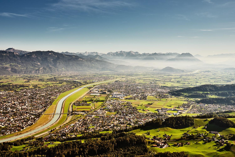 Lufaufnahme Rheintal mit den Bezirken Oberrheintal sowie Unterrheintal