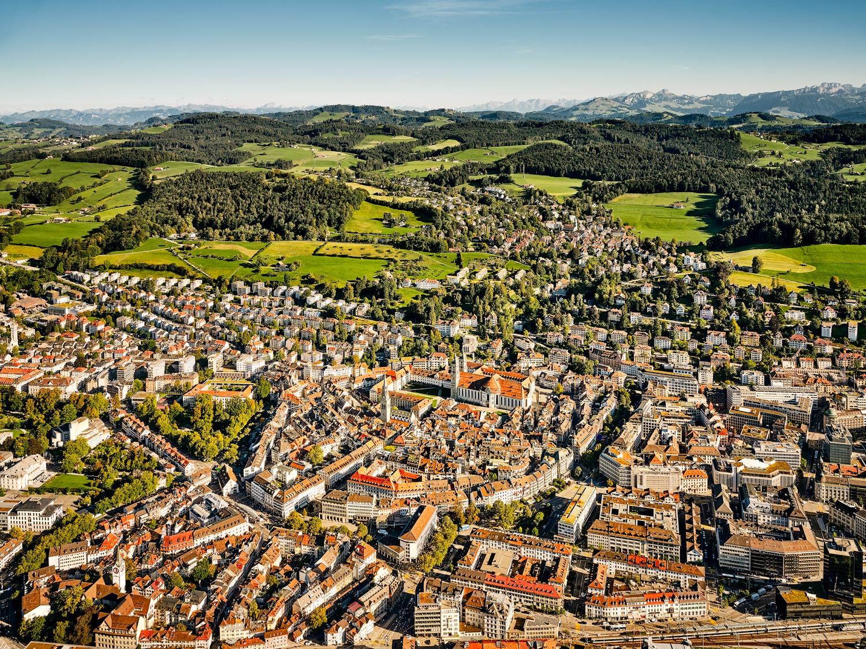 Luftaufnahme Stadt St. Gallen mit Kloster St. Katharina