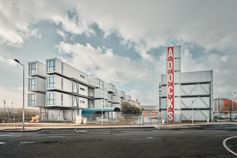 Architekt Alberto Cattani erstellt «A'Docks» ein vierstöckiger Apartmentkomplex auf der Basis von Überseecontainer