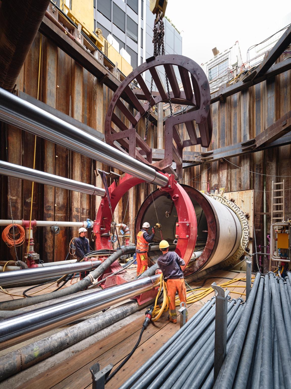 Sonntag Bau AG - Fernwärme Projekt Zürich - Microtunneling - Hydraulische Presse - Einbau Extender
