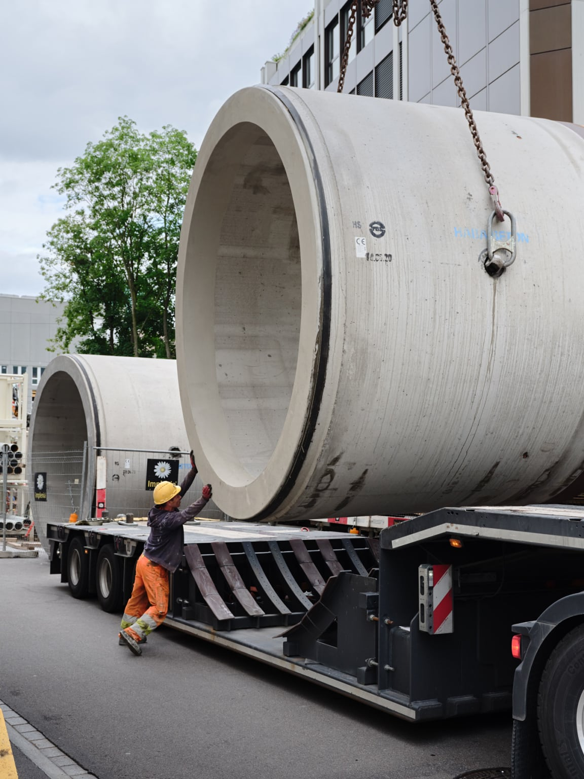 Sonntag Bau AG - Fernwärme Projekt Zürich - Microtunneling - Vortiebsrohr 21 Tonnen